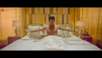 Hook Up Song - Student Of The Year 2 | Tiger Shroff & Alia |